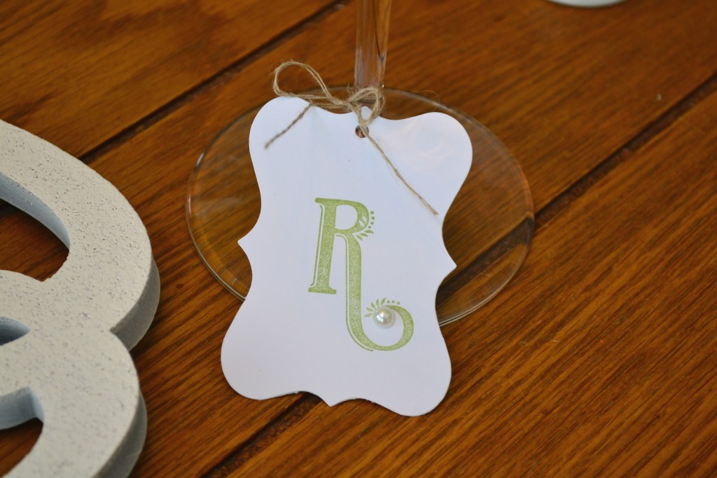 These place cards are simple yet elegant. thehousedownthelane.com #DIY #Easter #Spring #PlaceCards