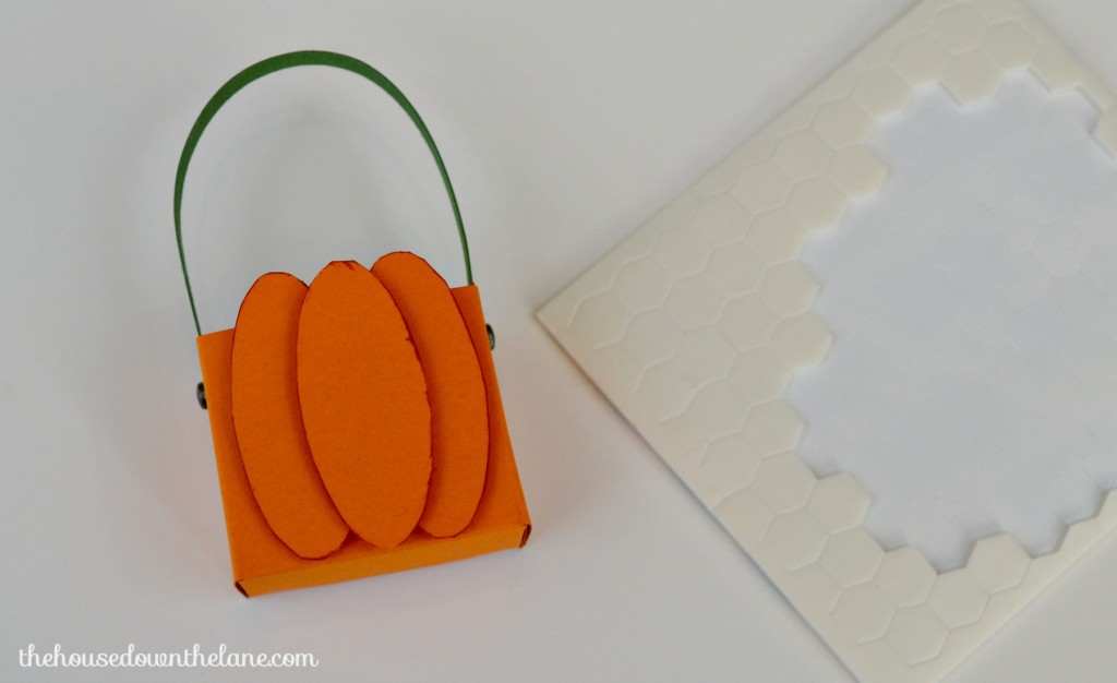 These DIY Mini Pumpkin Favor Boxes are easy to make {once you get the hang of it}, and they will make your Thanksgiving table extra special! | The House Down the Lane