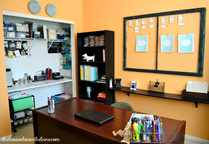 An organized home office will save you time, frustration, and help you to be more productive! And all it takes to get your home office organized are these 8 simple steps! | Calyx and Corolla