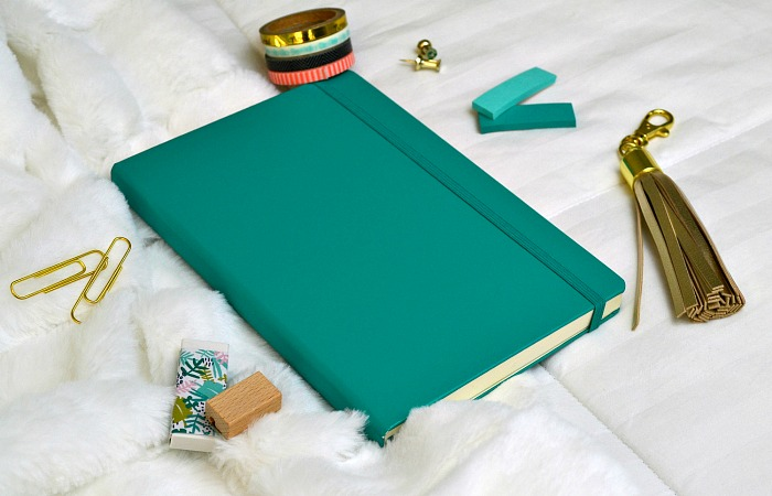 The sheer number of bullet journal supplies is overwhelming. From basics like notebooks, pens and markers to fun extras like stencils, washi tape and stamp sets to organization for all the bujo things, it's difficult to know where to start! So today I'm sharing a list of my favorite bullet journal supplies to help you narrow down your options, and most of these products are easy to find on Amazon! #bulletjournal #bulletjournaling #bulletjournalsupplies #bujo #bujosupplies